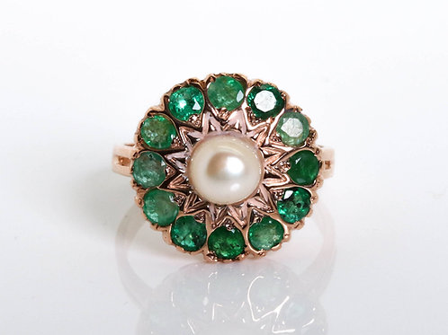 Sunflower Shaped Emerald and Pearl Ring