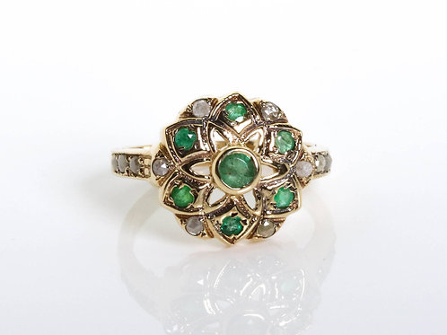 Flower Shaped Emerald and Rose Cut Diamonds Ring