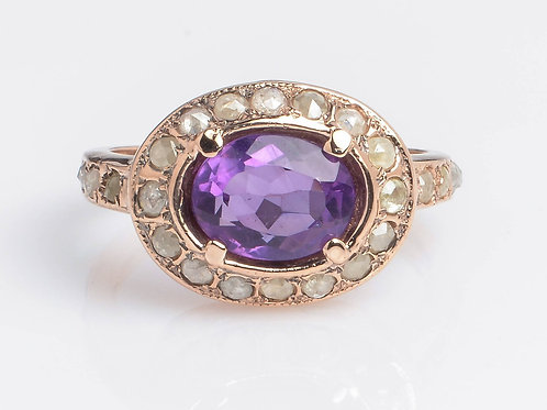 Oval Ring with Amethyst and Diamonds