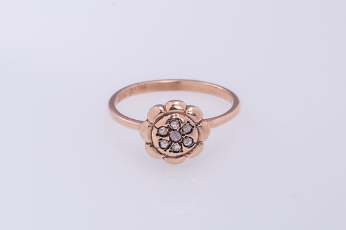 7-Rose Cut Diamonds Petals Ring