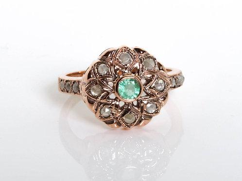 Cornucopia shaped Emerald and Rose Cut Diamonds Ring