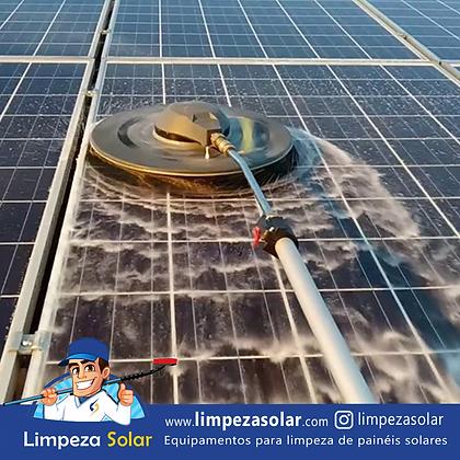 Lavagem de painéis solares