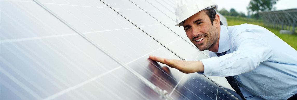 Limpeza Painel Solar Fotovoltaico.jpg