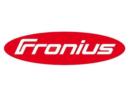 """O Fronius GEN24 Plus híbrido é considerado em 2019 o """"produto do ano""""."""