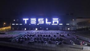 Tesla ultrapassa Toyota como a montadora mais valiosa do mundo