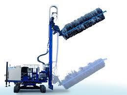 Máquina de limpeza de painéis solares com água