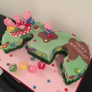 Number 3 piggy cake