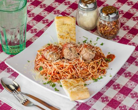 Pizzailolo'sPasta_SpaghettiandMeatballs_2880X2304.jpg