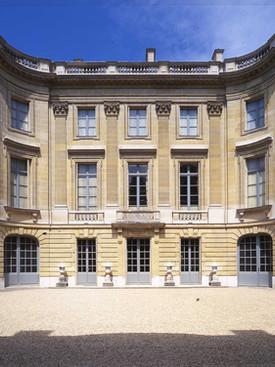 Grand Parisian homes open to everyone