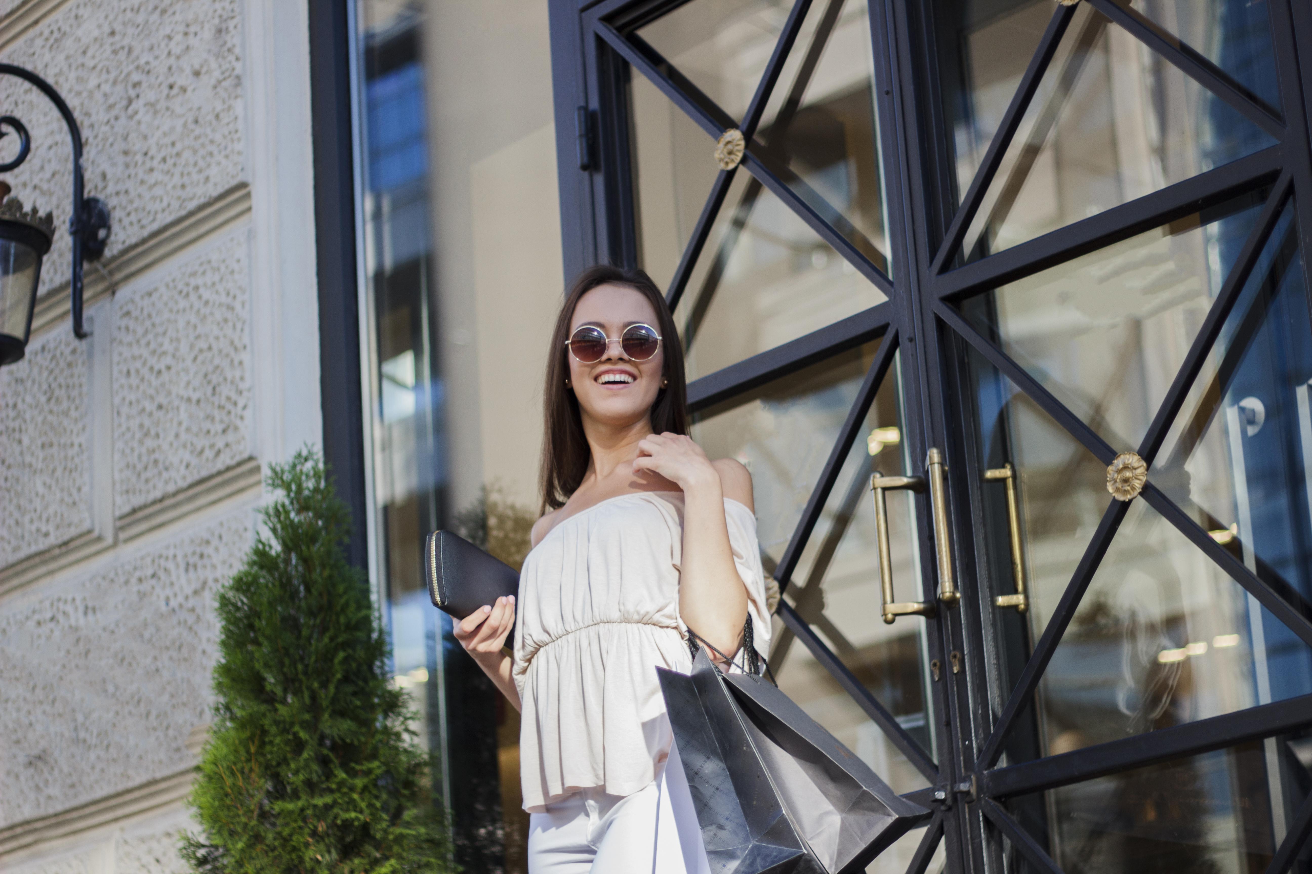 Personal Shopper_AdobeStock_115700022