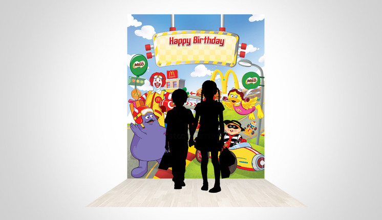 McDonald's Mobil Balap Birthday Party Backgrop 3D Implementation