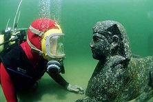 underwater_archsphinx.jpg