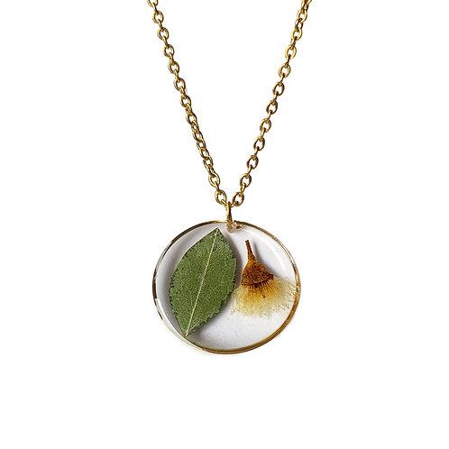 White Flowering Gum Necklace ○ Circle