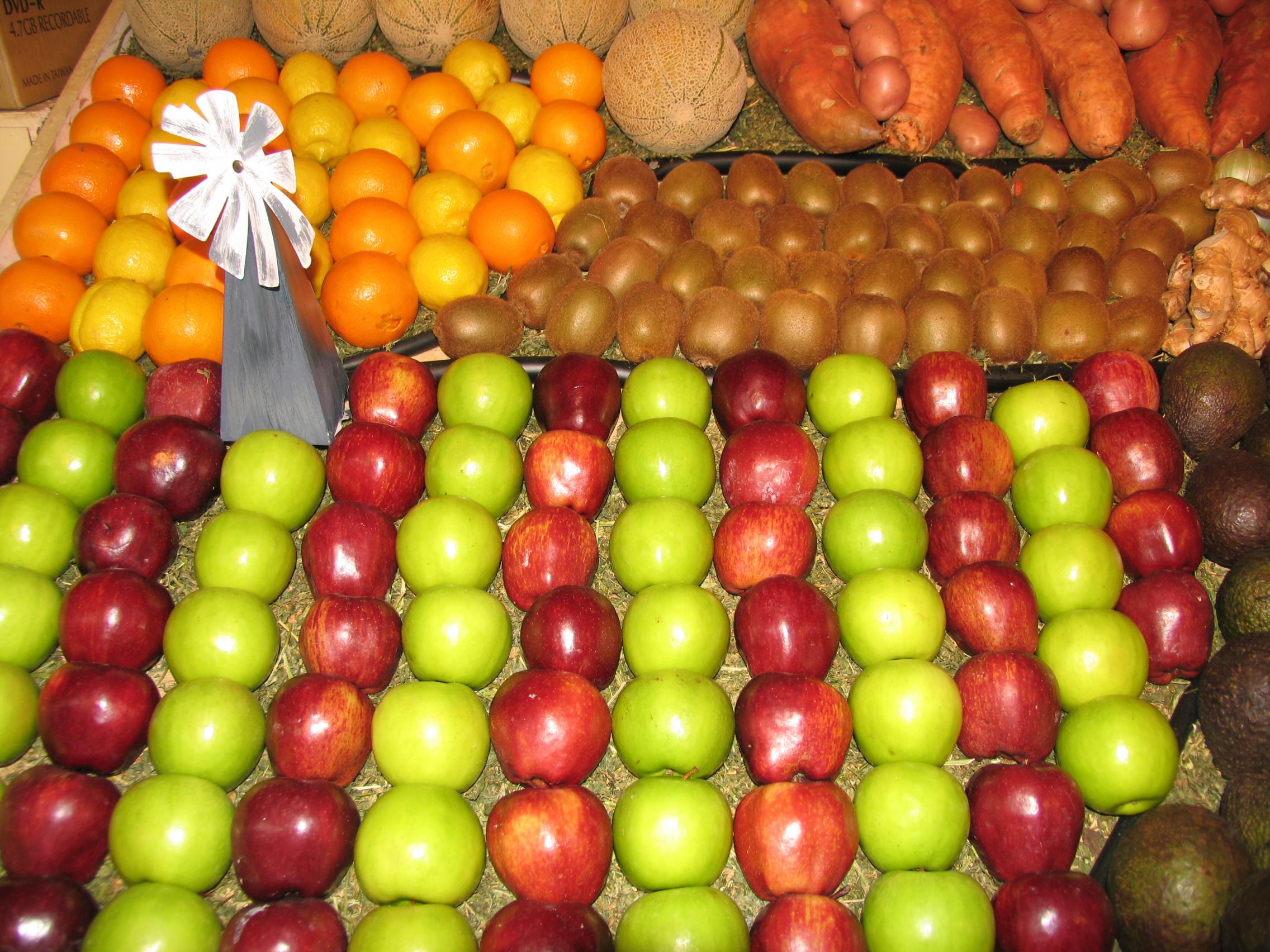 fruit and vege display