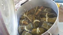 Boiling up pandanus leaves