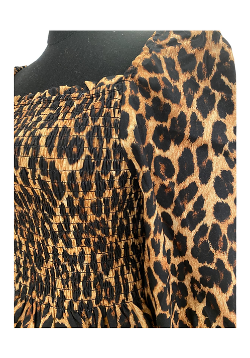 Cropped leo Top