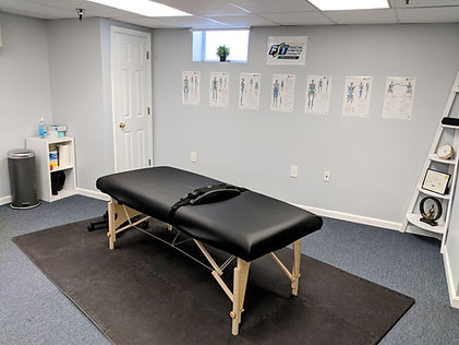 Treatment table for assisted stretch