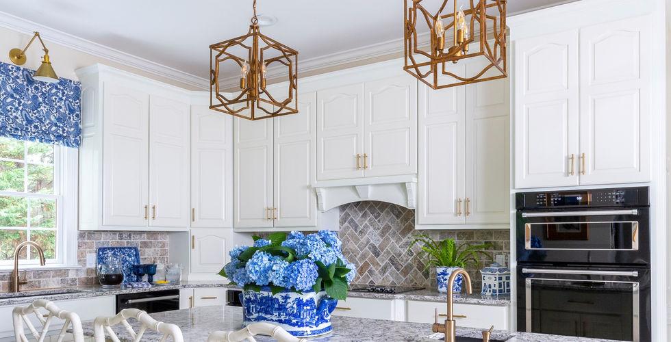 White-Kitchen-Design-Quartz-Countertops