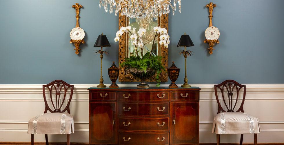 Van-Courtland-Blue-Dining-Room-Decor