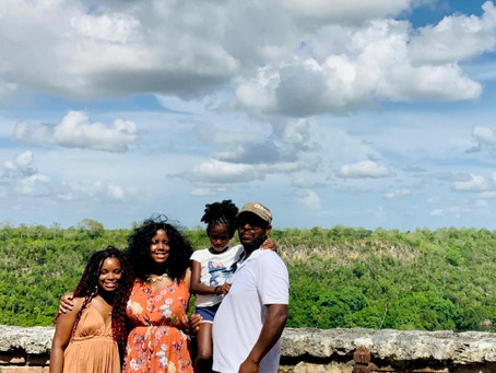5 Reasons You Should Travel with Family & Friends