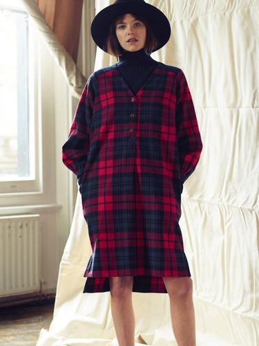 Lowie-Brushed-Cotton-Dress-model_1050x.j