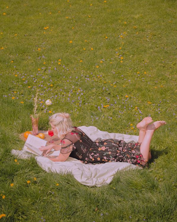 self portrait outdoors by arynlei creative