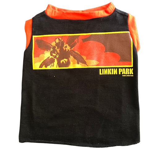 Large- Linkin Park band shirt.