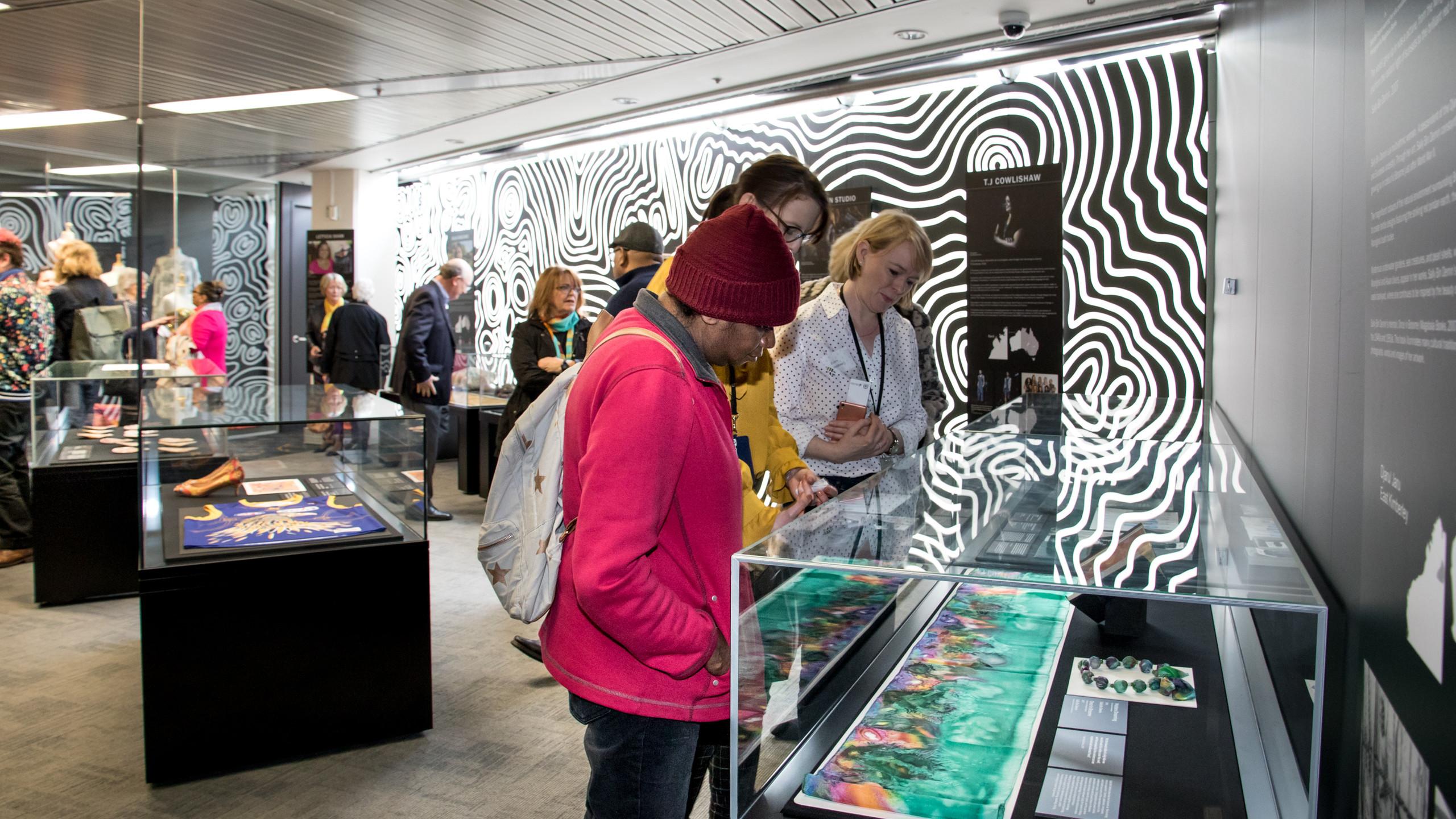 078A4171_Bibbullmun Bardi exhibition ope