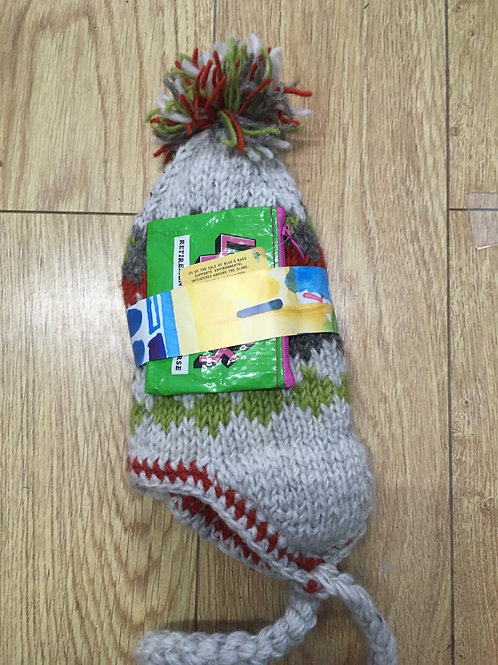 Gift sets with winter hats and gloves .
