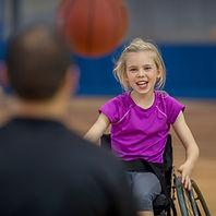 Girl plaing basketbll
