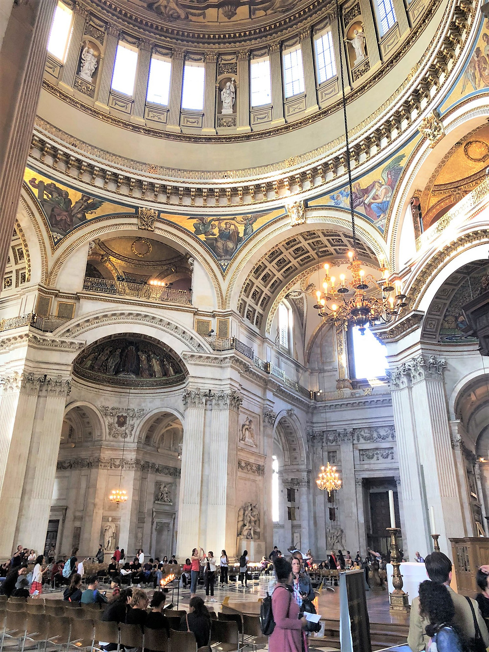 The magnificent dome of St Paul's Cathedral rises to a height of 214 feet above the main floor. The dome's weight is estimated at 67,000 pounds)