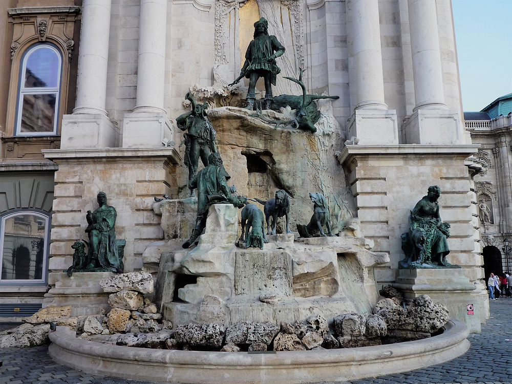 King Matthias fountain depicts a hunting party led by Matthias Corvinus, the king of Hungary.