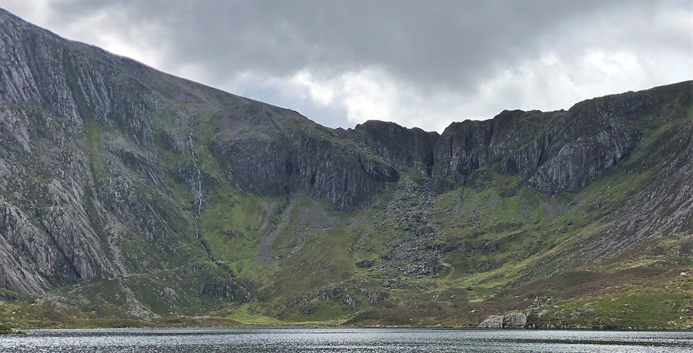Cwm Idwal on the trail leading to Devil's Kitchen was ranked the 7th greatest natural wonder in Britain in a 2005 survey.