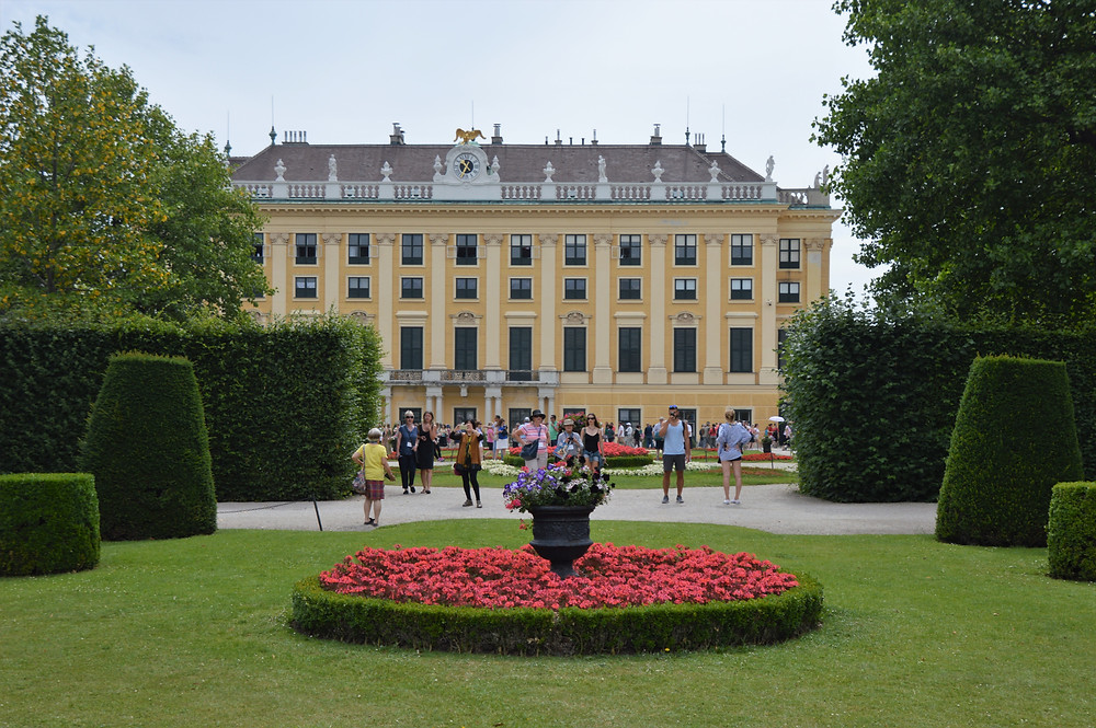 Gardens  of the Schonbrunn Palace has 1441 rooms and vast gardens