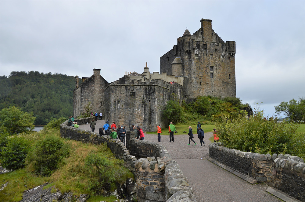 By 1297, the Eilean Donan Castle on the Isle of Skye became a stronghold of the Clan Mackenzie