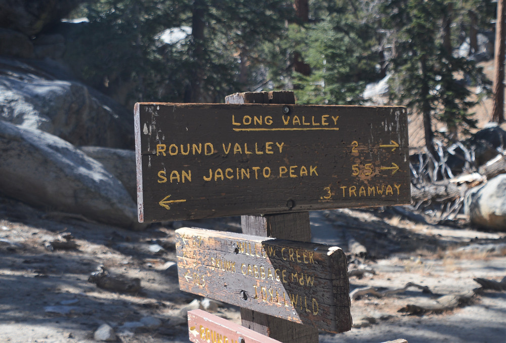 Round Valley Trail sign leading to San Jacinto summit