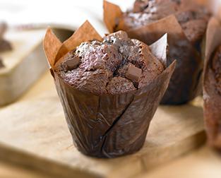 Gregg's triple chocolate muffin snack after walking around Glasgow