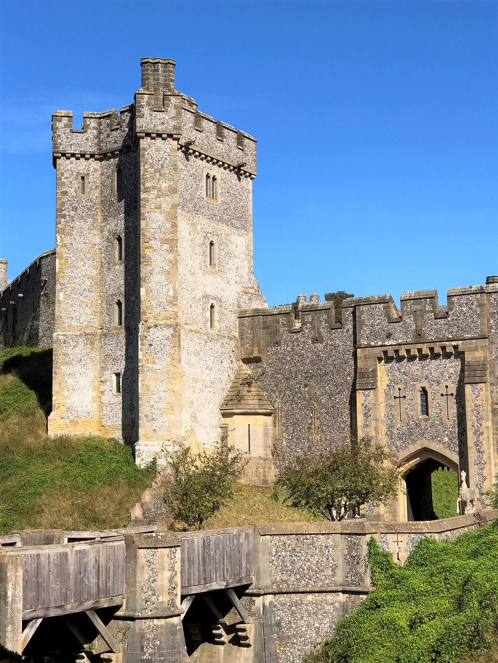 The Bevis Tower in Arundel Castle dates to the 14th century