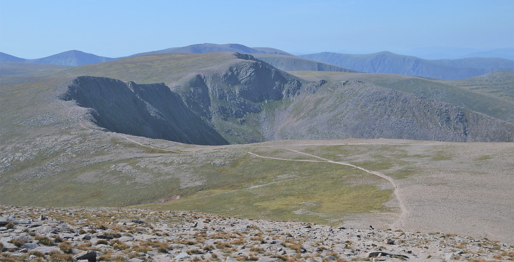 Views of the tundra-like Cairn Gorms plateau and trail we had followed with the summit of Stob Coire an t-Sneachda