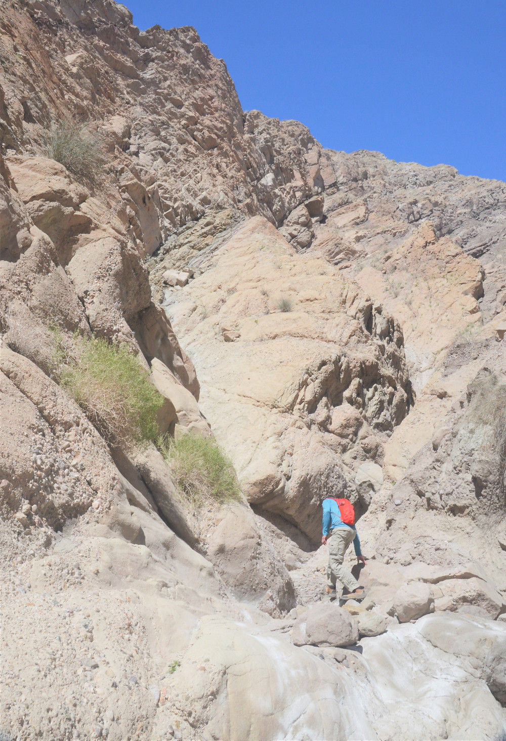 Water erosion and smoothing of rock surface in Mecca Hills