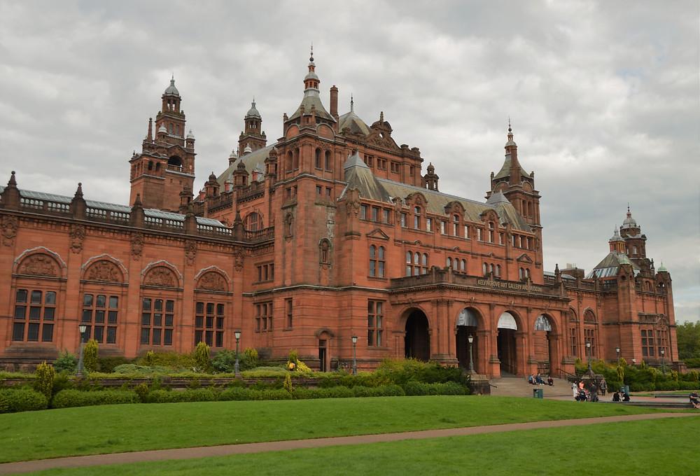 The world famous Kelvingrove Art Gallery and Museum borders Glasgow Kelvingrove Park