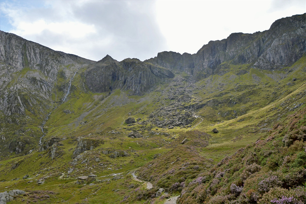 Looking back at Cwm Idwal from the path around Llyn Idwal