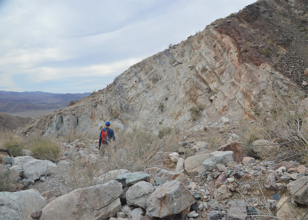 Boulder filled canyon on path leading from summit of Pinto Mountains in Joshua Tree National Park