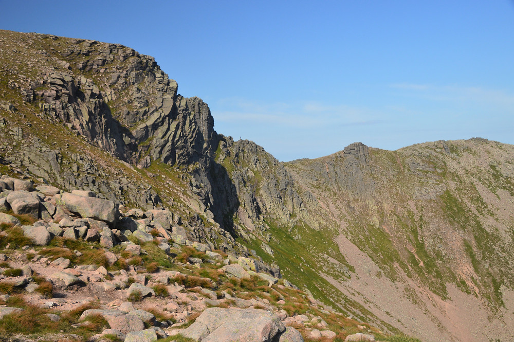Hiking along the ridge of Stob Coire an t-Sneachda, on Cairn Gorms hike via the Nothern Corries