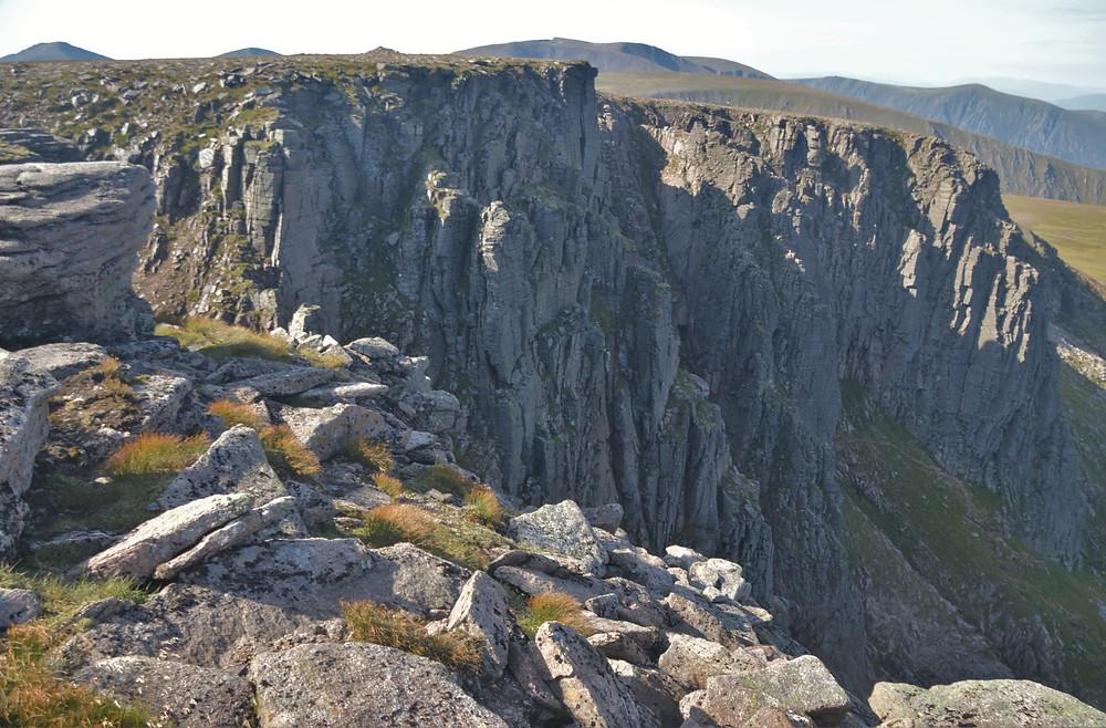 Cliffs of Cairn Lochan on Cairn Gorm hike via the Northern Corries