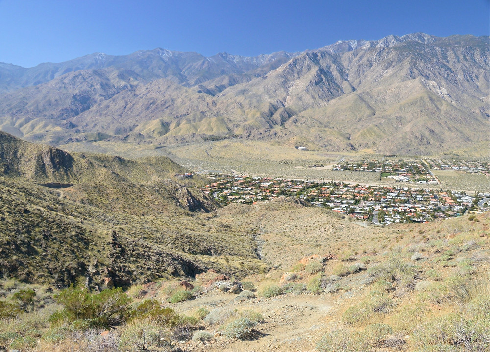 Palm Springs at the base of San Jacinto Mountains from Murray Hill trail
