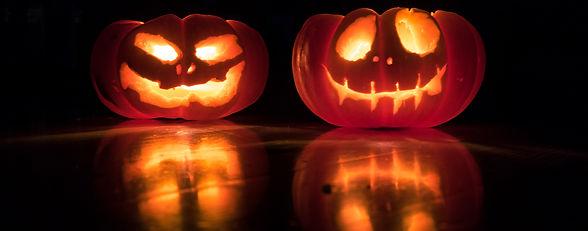 Jack-o-lanterns pano.jpg
