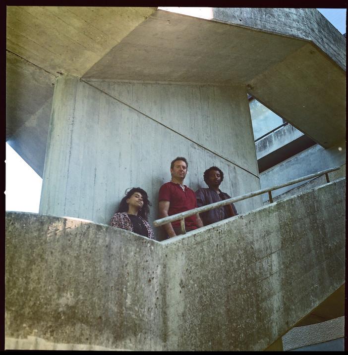 Vernissage et concert: AMAMI – Giant EP