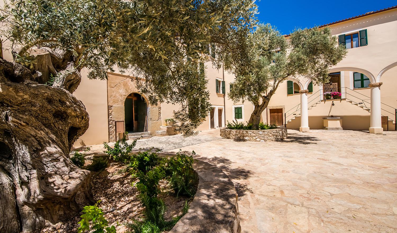 Historic Manor House Carrossa-2.jpg
