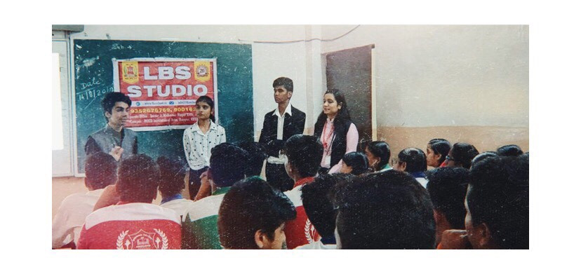 Parth Bhalla conducting Skill Building & Young Entrepreneurship Workshop in LBS School - Kota, Rajasthan